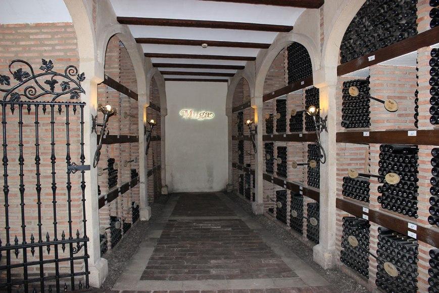 Reposo del vino. Cementerio Muga